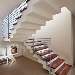 小别墅室内楼梯图片