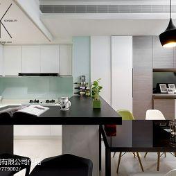典藏风华黄邸现代厨房餐厅一体化装修效果图