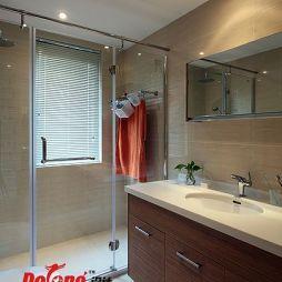 现代风格卫生间卫生间淋浴房效果图