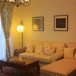 卓锦城17平米小客厅不吊顶瓷砖挂画背景墙装修效果图