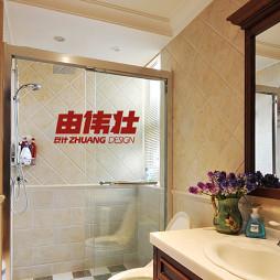 美式风格卫生间卫浴镜效果图