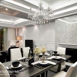 新古典餐厅石膏线吊顶瓷砖壁炉背景墙效果图