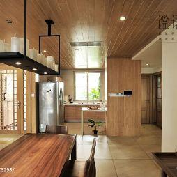 复式混搭实木吊顶厨房餐厅一体化设计效果图