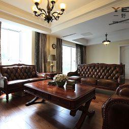 金龙花园欧式风格皮质沙发落地窗帘客厅设计效果图