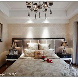 三居室新古典贴纸墙挂画卧室设计