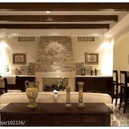 西班牙美式多梁吊顶仿砖墙挂画客厅带吧台设计图