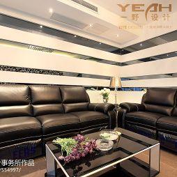 湖畔天城120平米客厅真皮沙发摆放效果图