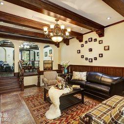 传统美式乡村客厅错层设计效果图