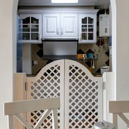 田园时尚厨房推拉门装修效果图