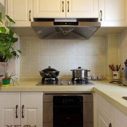 美式清新风格厨房厨柜装修效果图