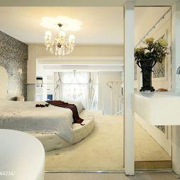 复式现代卧室隔断移动门效果图