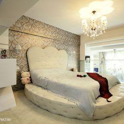 现代卧室水晶吊灯装修效果图