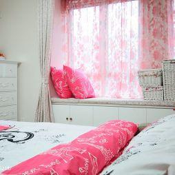 现代清新卧室榻榻米设计装修效果图
