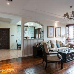美式风格家居客厅隔断装修