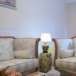 现代美式两室两厅客厅装修图片