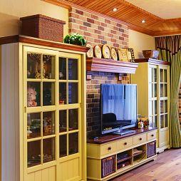 美式乡村风格客厅电视背景墙装修图片