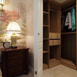 休闲美式复式楼卧室衣帽间装修图片
