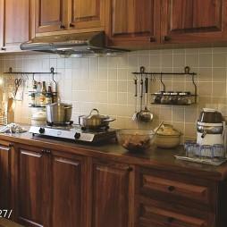 龍湖源著簡歐家混搭廚房冰箱擺放裝修設計效果圖