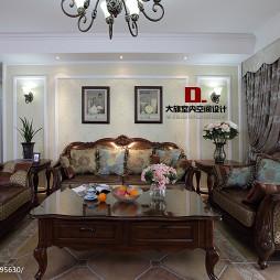 美式风格家庭客厅装修图片