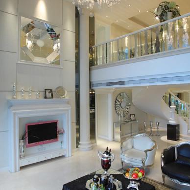 混搭法式复式客厅设计