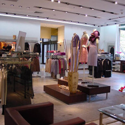小型服装店的设计