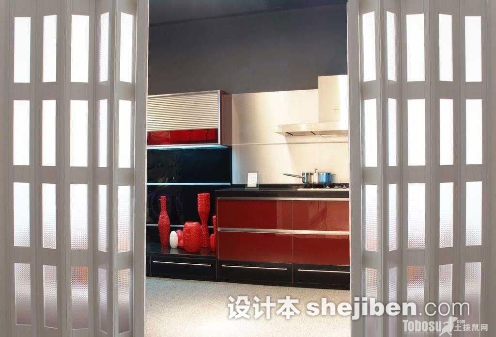 现代复古厨房折叠门图片