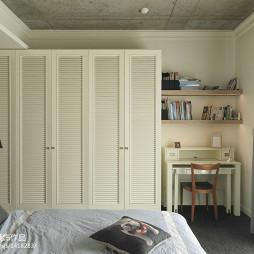 225平米简约卧室衣柜装修效果图