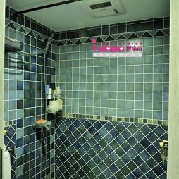 小清新简约公寓卫浴墙面贴砖装修图片