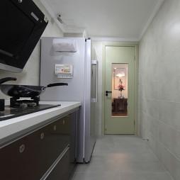 现代简约厨房橱柜晶钢门板装修效果图