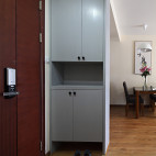 三居室现代玄关装修效果图