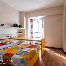 现代风格室内儿童房实木地板装修设计