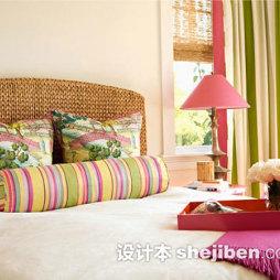 卧室彩色条纹窗帘图片