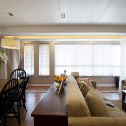 现代三室两厅客厅吊顶装修图