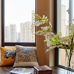 现代卧室飘窗装修图