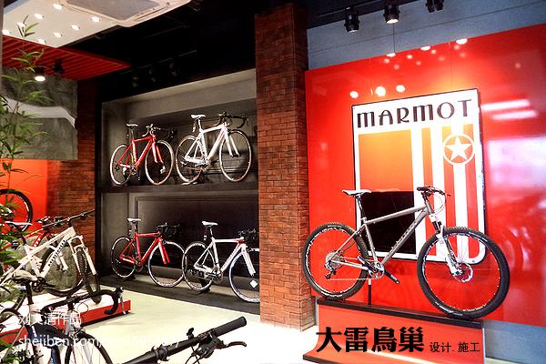 上海舞蹈用品专卖店_体育用品专卖店背景墙装修效果图 – 设计本装修效果图