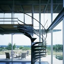 最新铁艺楼梯扶手装饰图片