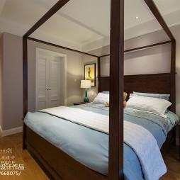 卧室浅色木地板装修效果图