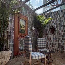 混搭联排别墅家庭花园壁画装修效果图
