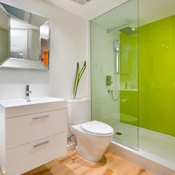 浅绿色浴室设计
