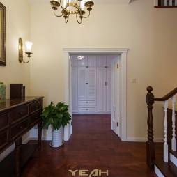 美式别墅设计过道装修图
