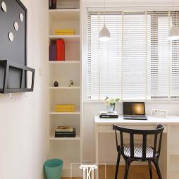 现代风格书房书桌装修图片欣赏