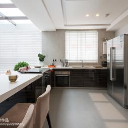 现代厨房窗户图片