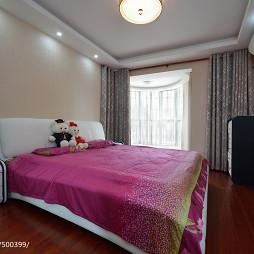 现代风格卧室窗户设计