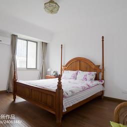 欧式风格跃层卧室窗户装修图