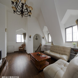 欧式风格跃层客厅窗户装修图
