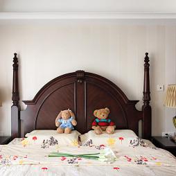 美式风格新婚房卧室装修图