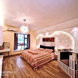 现代风格客厅卧室吊顶装修图