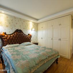 美式风格家装卧室衣柜装修效果图