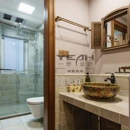 美式卫浴梳妆镜图片