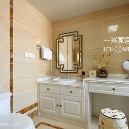 190㎡欧式风卫生间白色浴柜图片